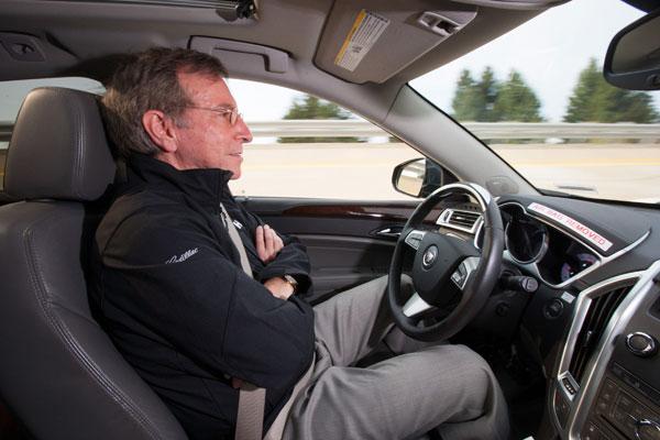 凯迪拉克开始测试 Super Cruise 半自动驾驶技术,可能会在 2015 年投入使用(视频)