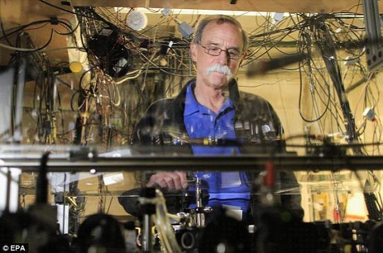 深入诺贝尔物理学奖 量子世界的探秘者