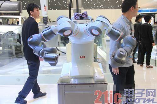 上海工博会:四大机器人家族各领风骚