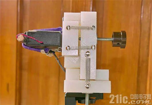 ��外牛人超��DIY:一支激光�P���F千里�饕�