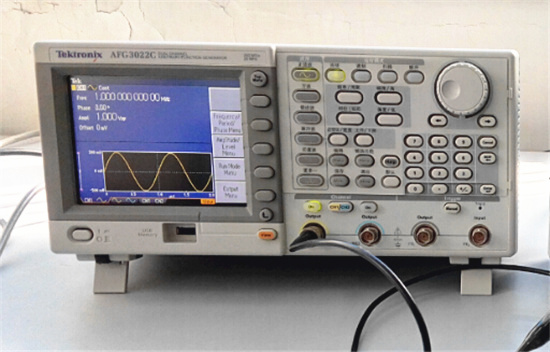 时基高度稳定的任意函数发生器――Tektronix AFG3