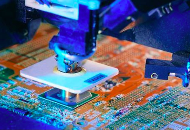创新・智能・融合 第四届中国电子信息博览会今日开幕