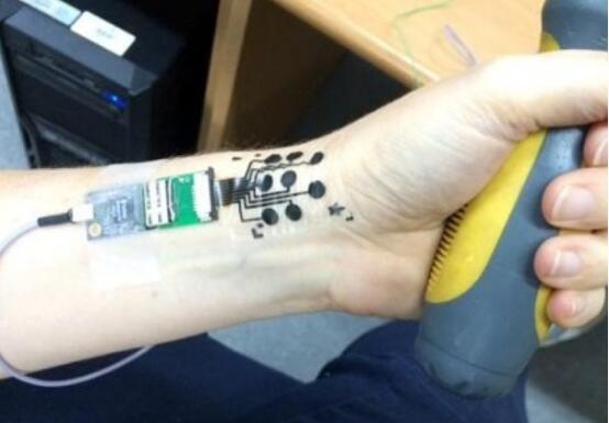 神奇!纹个电路在身上,它能感知你的情绪
