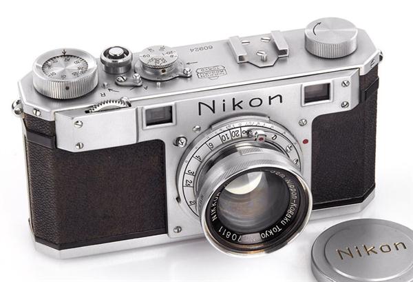 世界最古老的尼康相机 浓浓机械美感价值130万!