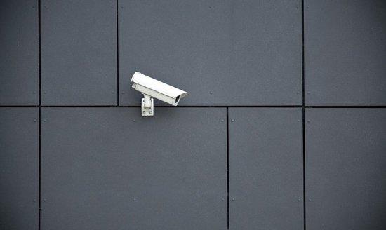 扎克伯格调整了隐私政策,禁止任何监控工具使用它的数据