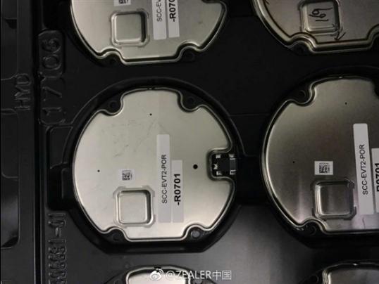 iPhone 8重磅新功能没跑:支持无线充电新证据曝光