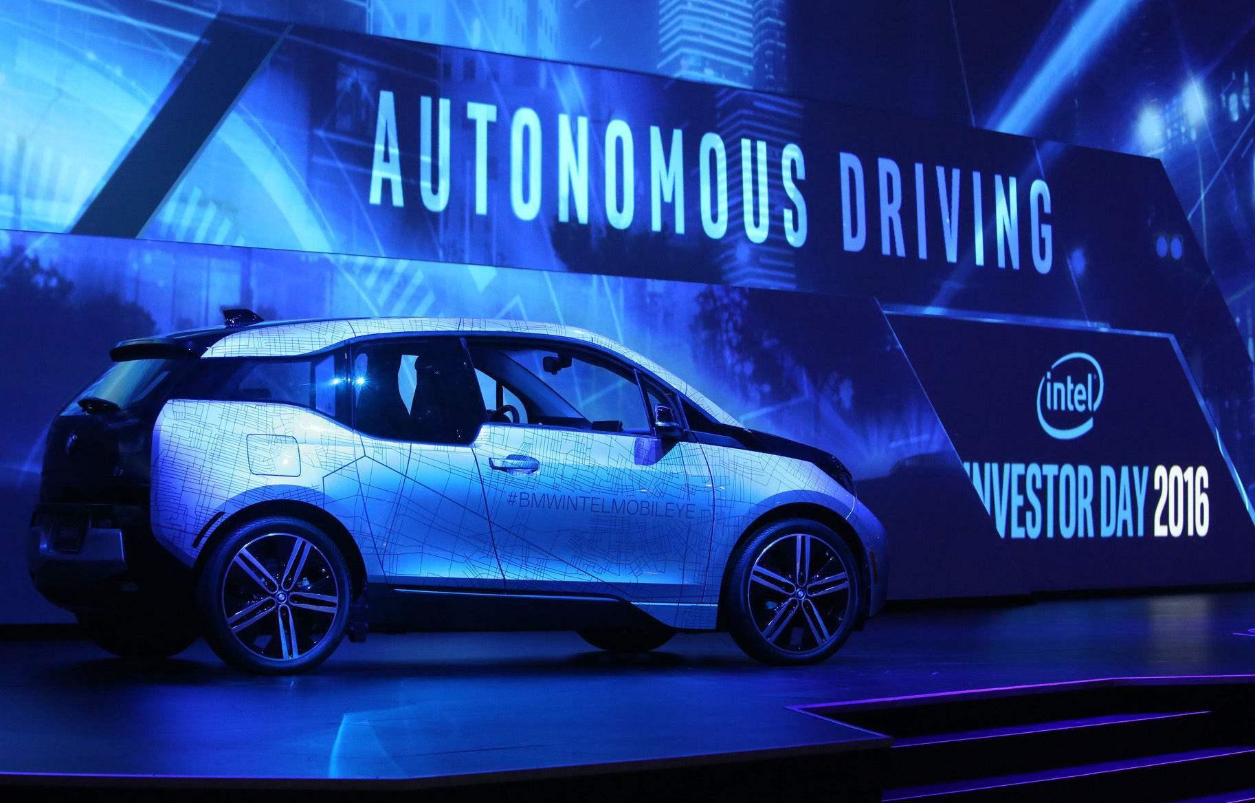 收购Mobileye后,英特尔的自动驾驶汽车年底将上路了