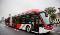 新能源公交车:采用大功率充电桩