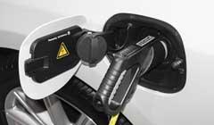 纯电、混动or燃料电池,三种车型的对比