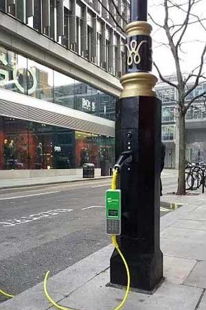 路灯是怎么变成电动汽车充电桩的?