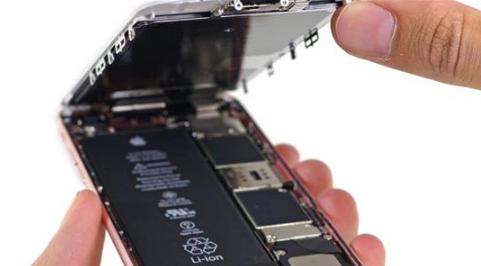 苹果无奈!iPhone竟被电池扼住了咽喉