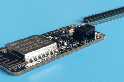 让WIFI开发变得更简单—Adafruit ESP8266开发板上