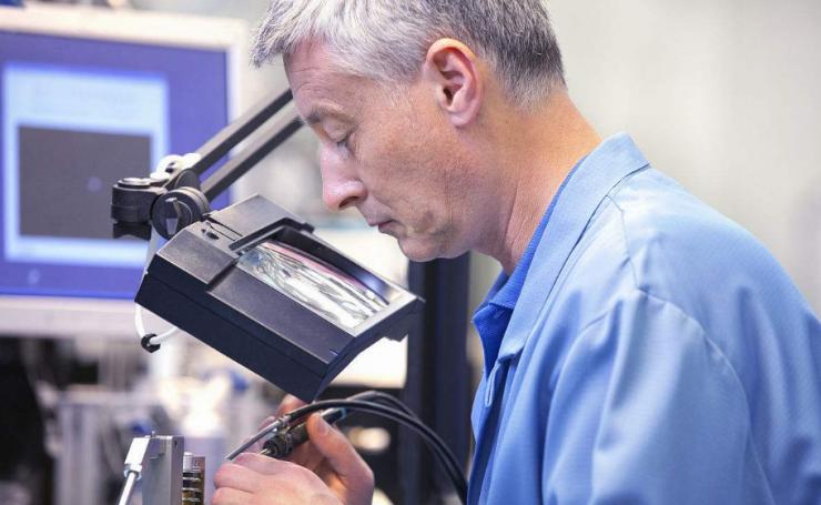全球范围内电子工程师的工作时长与薪酬大对比