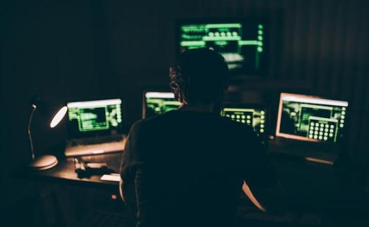 探秘网络黑色产业链 黑客月收入到底能有多少?