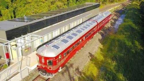 澳大利亚推出全球第一辆太阳能列车