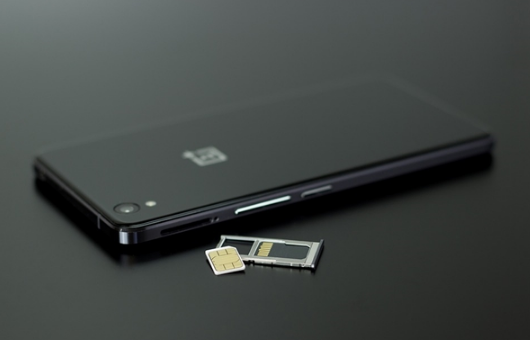联通先行!eSIM技术爆发:要终结传统SIM卡