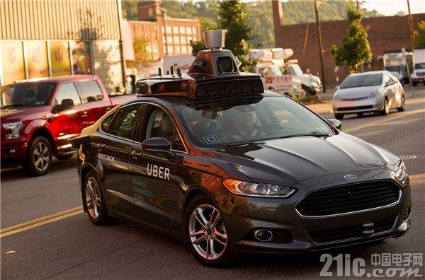 Uber致命车祸后暂停自动驾驶测试 现裁掉100名自动驾驶汽车操作员