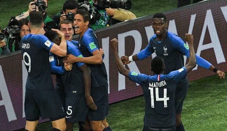 3000亿能买几支法国队?世界杯半决赛看台上惊现马云张近东
