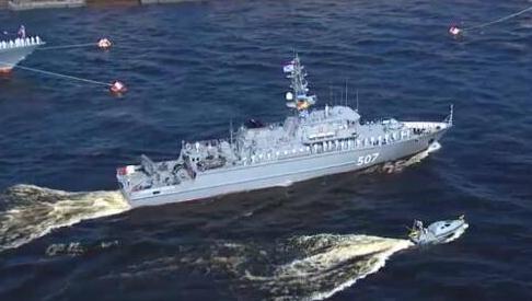 俄罗斯机器人快艇首亮相,无人驾驶的排雷先锋