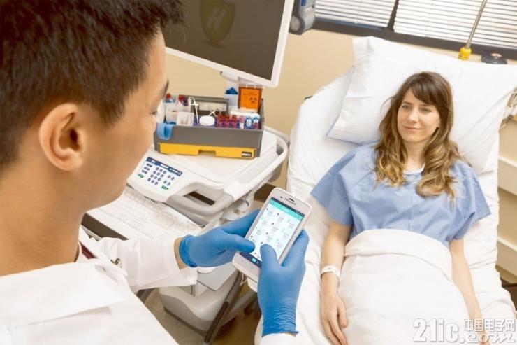 配图:霍尼韦尔EDA51 HC医疗专用移动数据终端方便医护人员多种操作