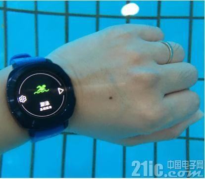 三星又推出一款智能手表Gear Sport,其可全面监测健康数据