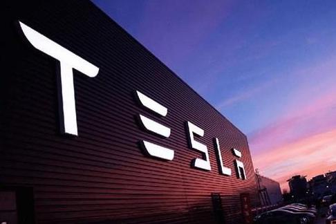 特斯拉前工程师曝光部分电池存缺陷,或威胁司机生命安全
