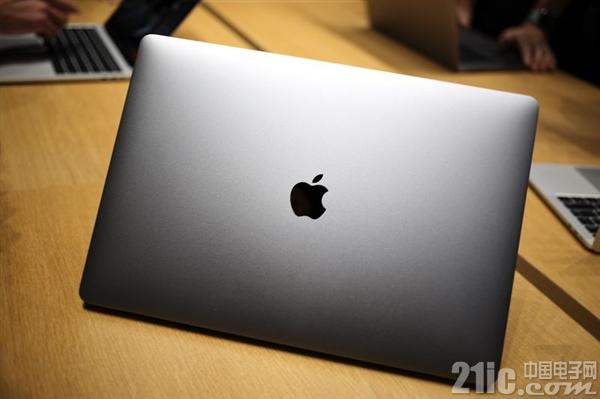 死机门后又出问题!新一代MacBook Pro内置扬声器发出噼啪声