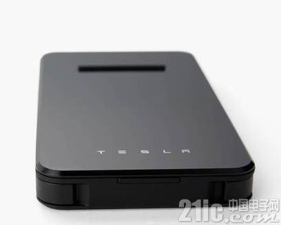 特斯拉推6000mAh无线充电宝,竟不是为特斯拉汽车准备的...