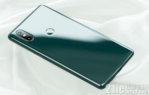 苹果新iPhone 699美元起!小米印度高管:小米坚持低价