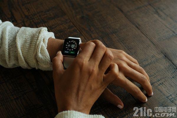 苹果新APPle Watch改进明显:64位处理器,现实面积提升20%