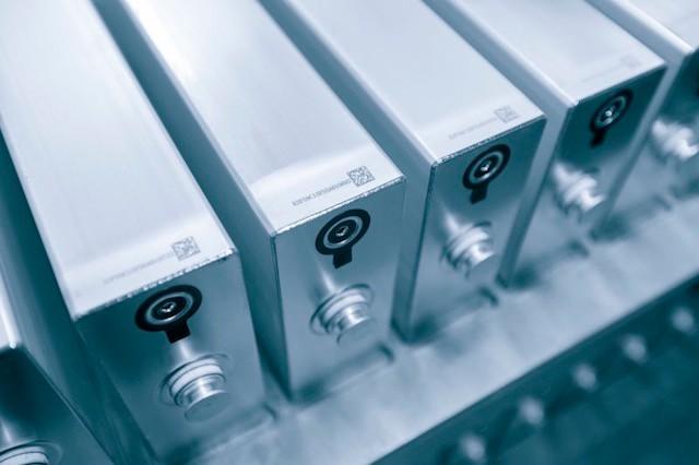 比亚迪动力电池产能激增,为遏制宁德时代一家独大?