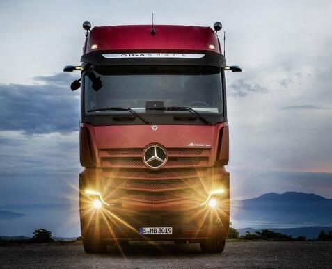奔驰发布新款Actros卡车,加入主动驾驶辅助系统