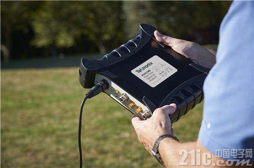 泰克扩展了USB频谱分析仪家族系列,支持13 GHz和18 GHz频谱范围
