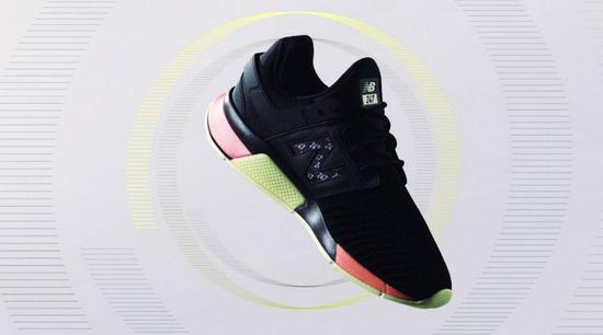 这款智能跑鞋太酷了!搭载墨水屏,花纹可按设定改变