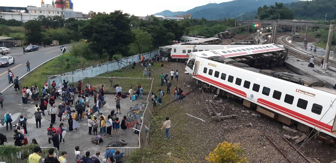 有过弯不减速功能仍翻车?台事故列车引自日本