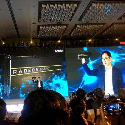 明年就能双剑合璧!AMD展示7nm GPU+CPU数据中心