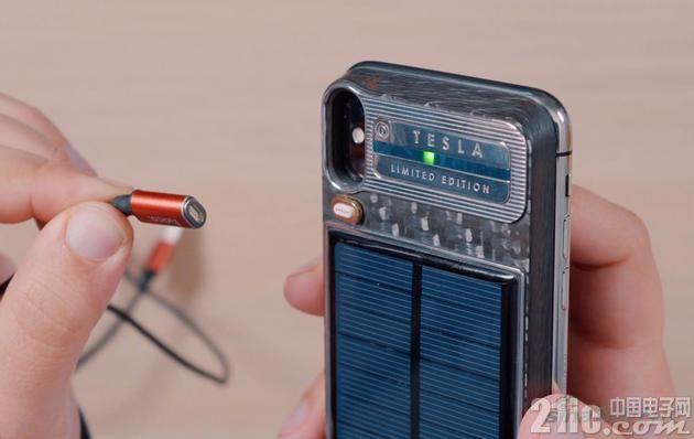 """致敬马斯克!这款名为""""特斯拉""""的iPhoneX定制充电宝定价3万元"""
