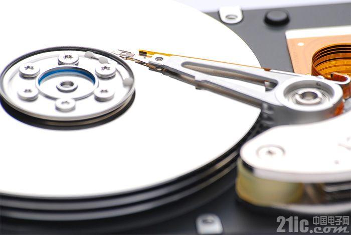 SSD大敌当前,HDD硬盘靠新技术多次续命