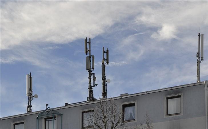 三大运营商获准使用相关频率进行5G系统试验,全国范围内大规模5G试验将展开