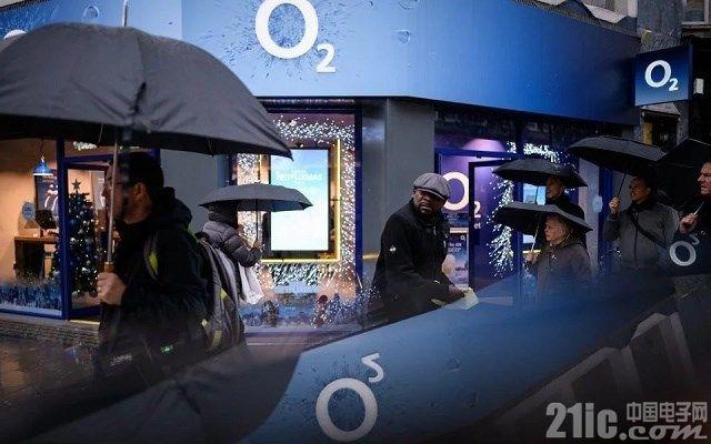 英国运营商:拒绝华为将导致5G网络推迟,面临压力仍会与之合作!