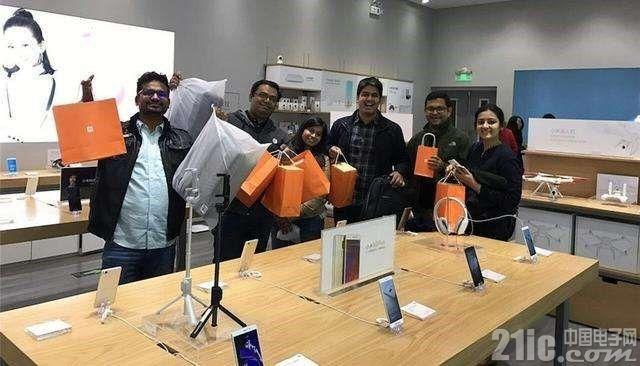 小米手机在印度连续五个季度位居第一!18财年营收同比增长174%