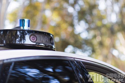 Lyft自动驾驶汽车新专利:与行人互动!