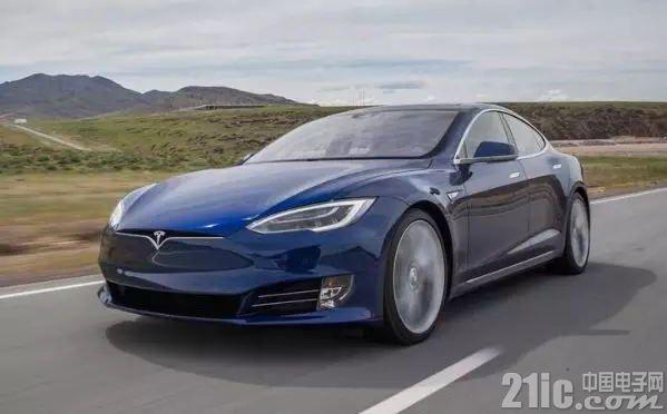 Model S撞墙起火致两名青少年死亡,特斯拉遭律所指控
