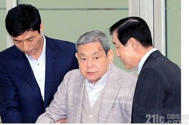 三星董事长李健熙依旧无法与人交流,但情况稳定
