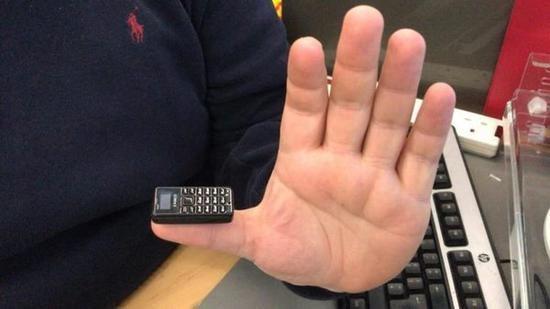 """和主流大屏背道而驰,""""世界最小手机""""开启众筹"""