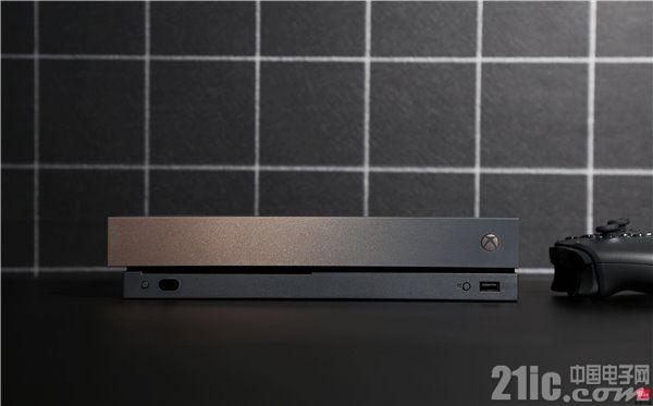 """黑金搭配的Xbox One X,这才是真正的""""低调奢华有内涵"""""""