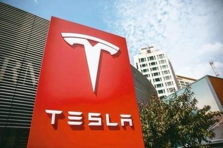 马斯克表示——明年特斯拉实现自动驾驶