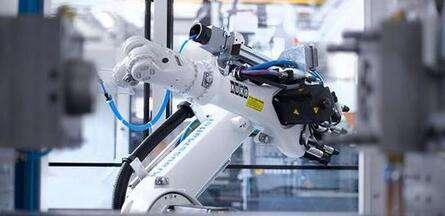 我国机器人产业进入面向中高端发展关键时期