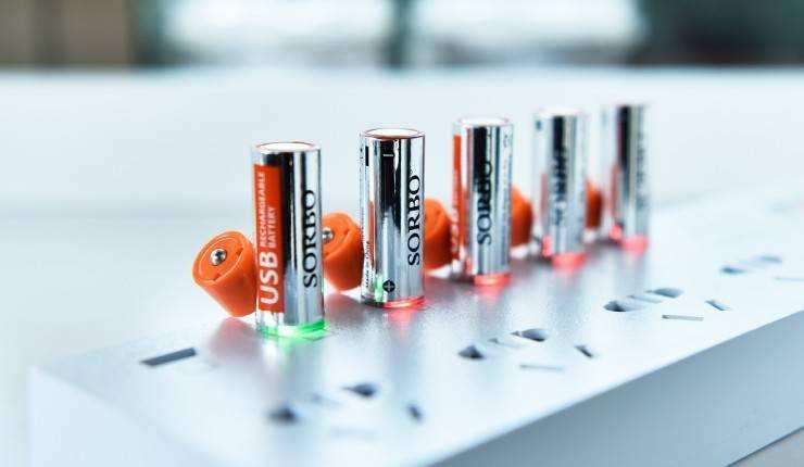 锂电池充电方法辟谣篇,民间流传的错误的锂电池充电方法
