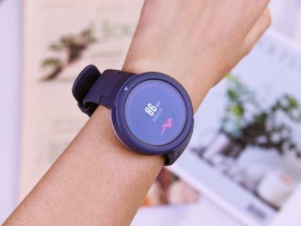时尚 + 实用 = AMAZFIT智能手表青春版